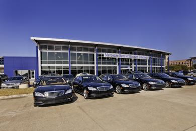 Mercedes benz houston greenway for Mercedes benz dealers houston