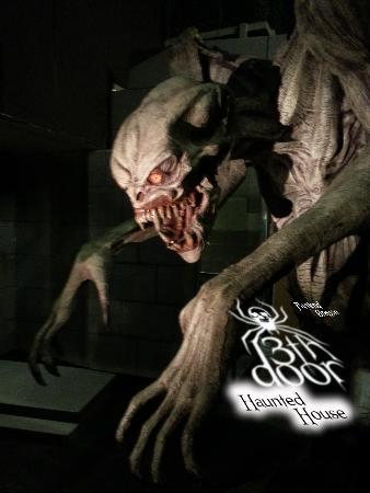 13th door frite lites 13th door haunted attraction for 13 door haunted house