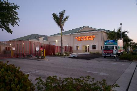 Cape Coral Premier Self Storage - Cape Coral, FL 33914 - (239)541-0051 ...