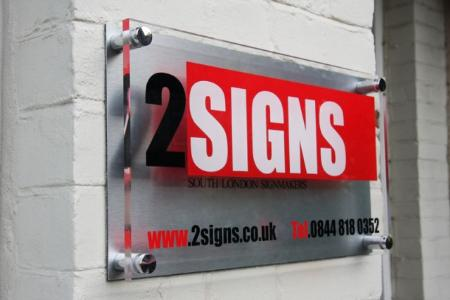 2Signs - London, London SW17 8SF - 020 7060 7404 | ShowMeLocal.com