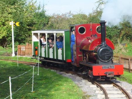 Hampton And Kempton Waterworks Railway - Hanworth, London TW13 6XH - 01932 765328 | ShowMeLocal.com