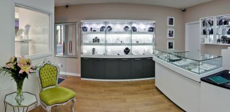 Hc Jewellers & Gold Buying Centres - Royston, Hertfordshire SG8 9AG - 01763 244705 | ShowMeLocal.com