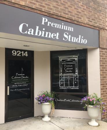 Premium Cabinet Studio