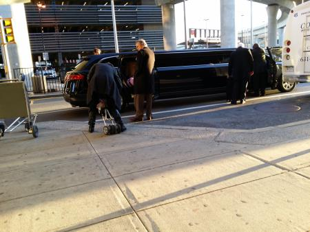 ct airport limos  Ct Airport Limo Service Meriden (860)796-4893