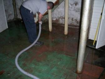 Sewage Damage Cleanup Flood Control Milford (203)347-4083