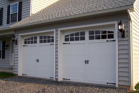 Green Garage Door - Medina, WA 98004 - (253)237-1618   ShowMeLocal.com