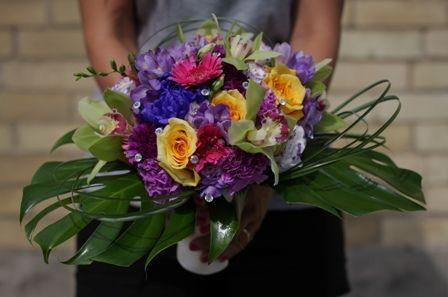 Mclennan Flowers And Gifts	 London (519)652-2042